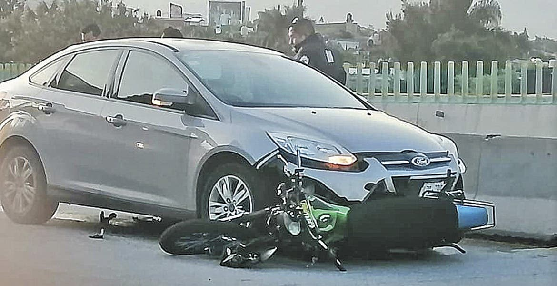 Embisten a un motociclista en Cuernavaca