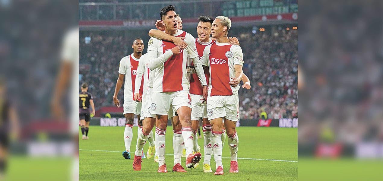 Edson Álvarez hace gol con Ajax