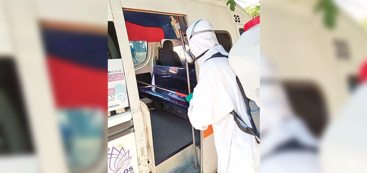 Sanitizan unidades de rutas 17 y 18 en Morelos