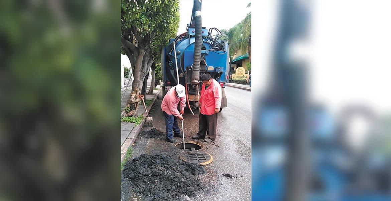 Realizan labores de desazolve en Cuernavaca