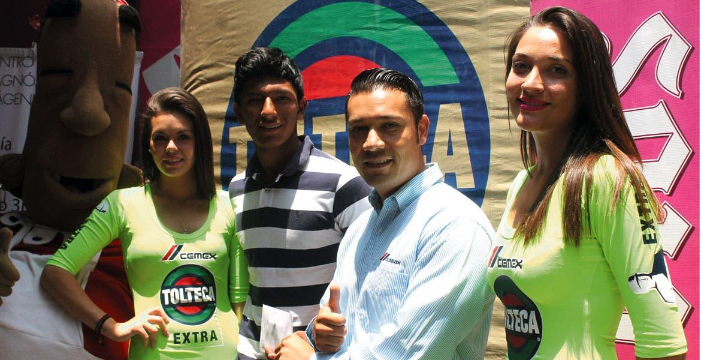 Cumpliendo. Diario de Morelos y Cemex Tolteca Extra entregaron el premio.