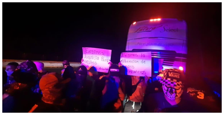 68 detenidos por exigir violentamente liberación de detenidos en caseta Alpuyeca