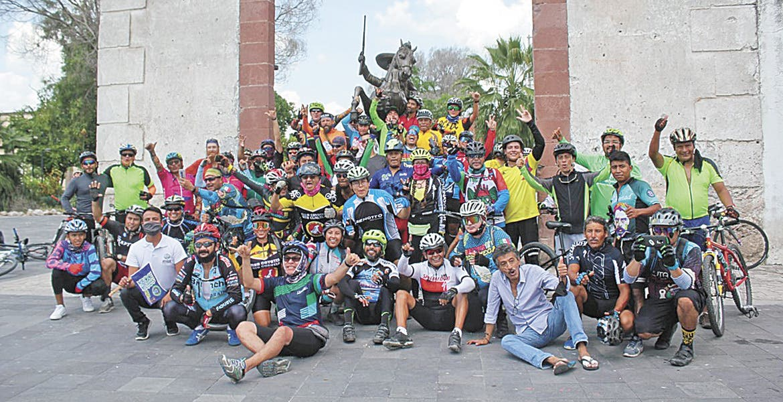 Recibe Ayala a ciclistas de todo el país