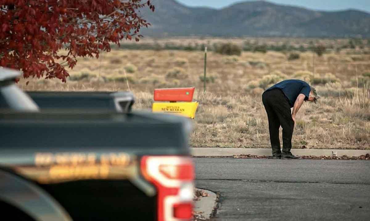 Alec Baldwin dispara arma y mata accidentalmente a una mujer en rodaje de película
