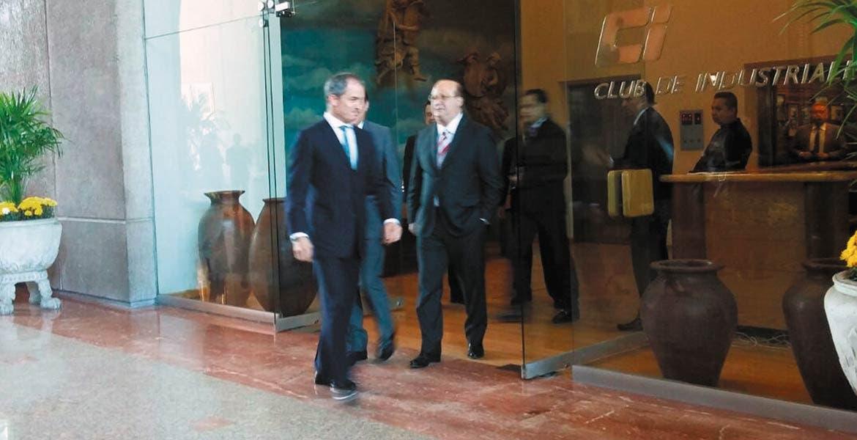 Encuentro. El Gobernador Graco Ramírez sostuvo una reunión privada con el presidente del Consejo Coordinador Empresarial, Juan Pablo Castañón.
