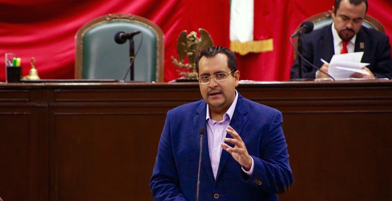 El planteamiento del diputado Alberto Mójica Linares es fomentar el empleo para jóvenes egresados de las universidades públicas o privadas a partir de una reforma a la Ley de Impuesto Sobre la Renta (ISR).