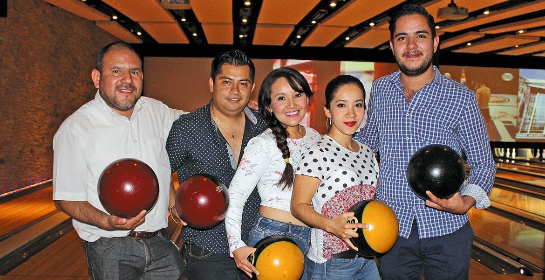 Edgar Fernández, Floriberto Beltrán, Adilene García, Diana Terán y Benjamín Cacho.