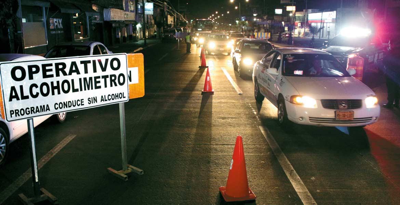 Control. Aun sin el operativo de alcoholimetría, los elementos policiacos estarán aplicando el reglamento para prevenir accidentes.