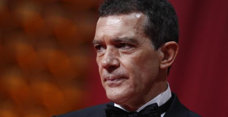 Antonio Banderas cumple 60 años y da positivo a COVID-19