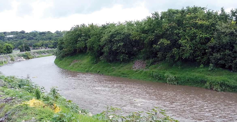 Revisiones. La Conagua señaló hasta ayer que no había riesgo de desbordamiento de los principales ríos de Morelos, los cuales estaban abajo del 50% de su capacidad.