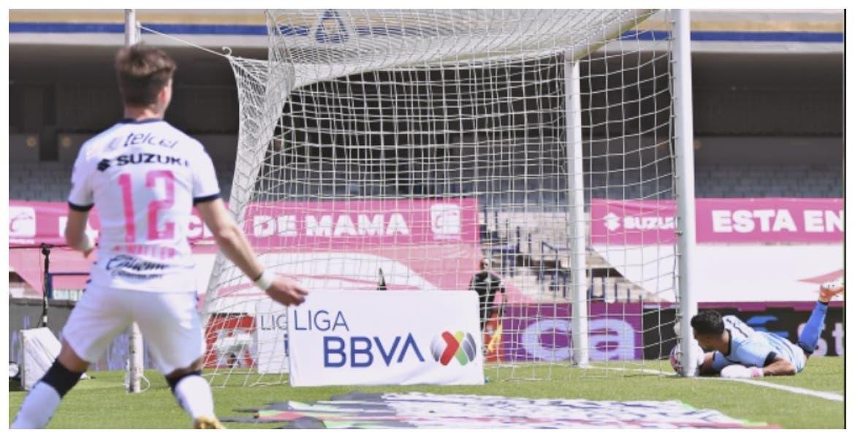 Aprovechan Pumas 'oso' del portero de Toluca; ganan 1-0