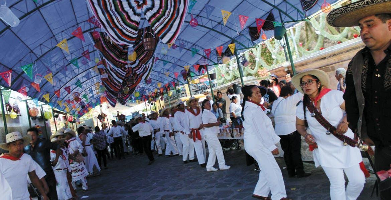Jolgorio en Tepoztlán. Morelos y Edomex unidos en una centenaria tradición.