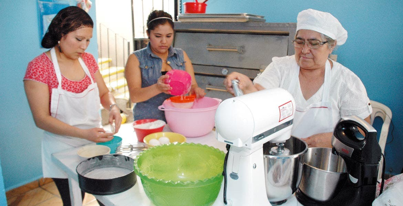Cuatro años. Sedeso ha apoyado a más de 13 mil mujeres para la creación de tres mil 600 nuevas empresas.