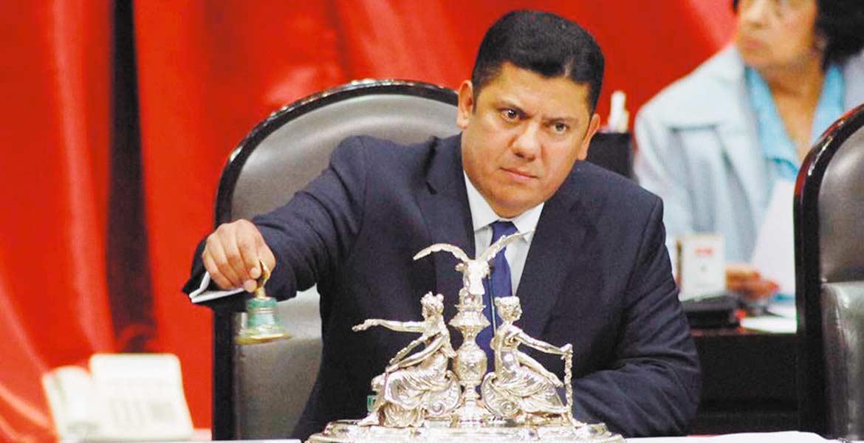 Propuesta. El diputado Javier Bolaños señaló que se trabaja en el consenso para reducir el Impuesto Especial sobre Produccción.
