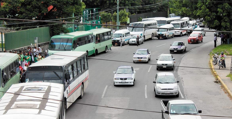 Participación garantizada. Los actuales concesionarios sólo tienen que conformar empresas para participar del Sistema de Transporte Masivo.
