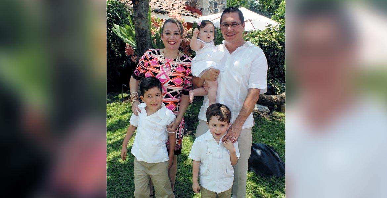 Priscila, Valerie, Esteban, padre e hijo y Daniel Rivera.