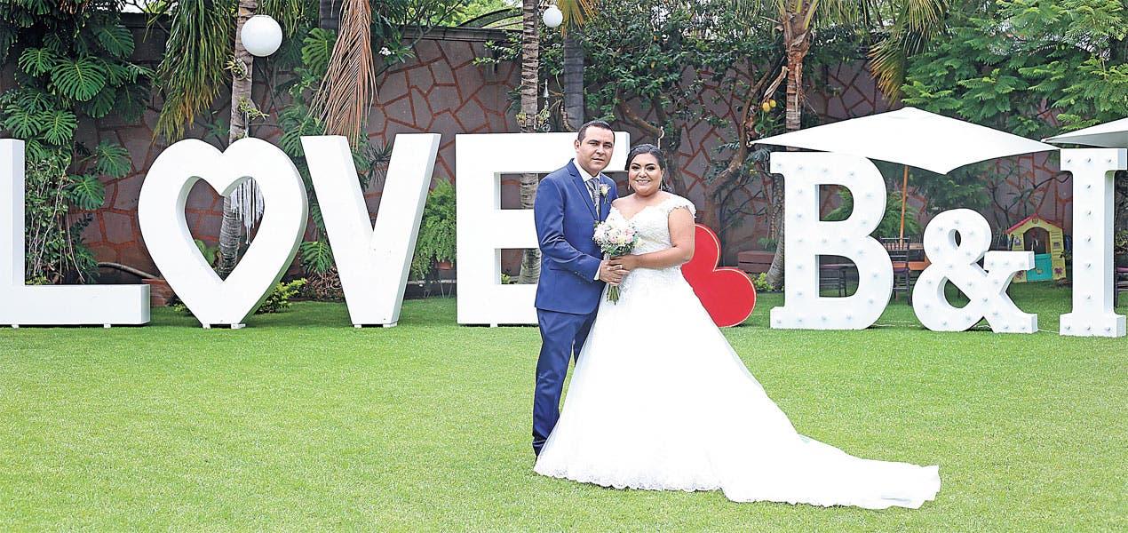 Blanca Sánchez e Isidro Villaseñor - Romántico enlace