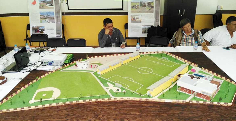 Informan. El alcalde Agustín Alonso Gutiérrez presentó la maqueta del proyecto para la unidad deportiva del CDY, la cual tendrá una inversión de 60 millones de pesos.