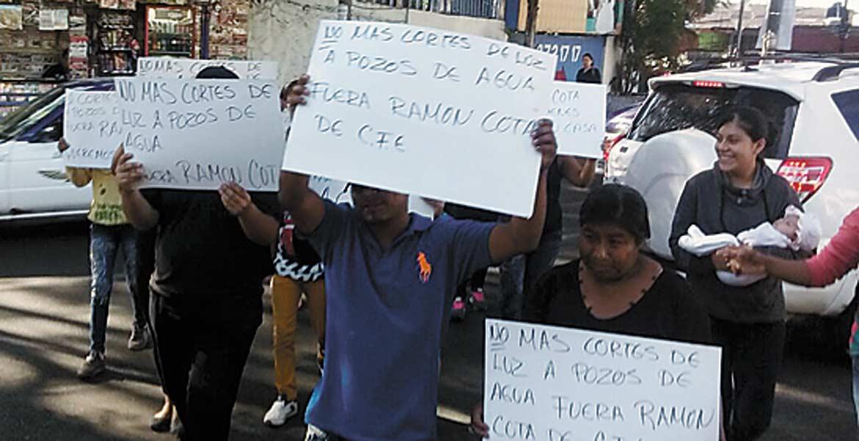 Manifestación. Un grupo de vecinos exigió no dejar a pozos sin energía.