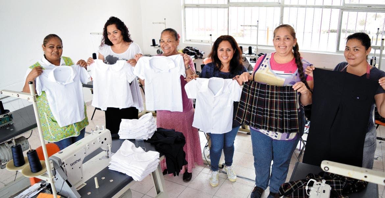 Avanza confecci n de uniformes diario de morelos for Trabajo en comedores escolares bogota