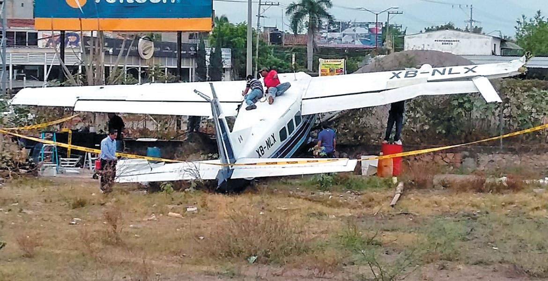 Maniobra. Testigos aseguran que la falta de pericia provocó el accidente; después de todo, se libró de salir lesionado.