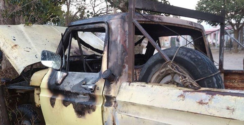 Camioneta de bombero es quemada, por que gente creía que tenía COVID-19