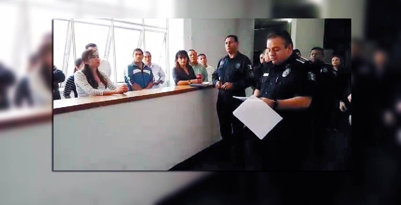 Control. Jesús Alberto Capella acudió a la SSC en donde leyó el decreto y señaló que el mando de la Policía de Cuernavaca lo tiene él.