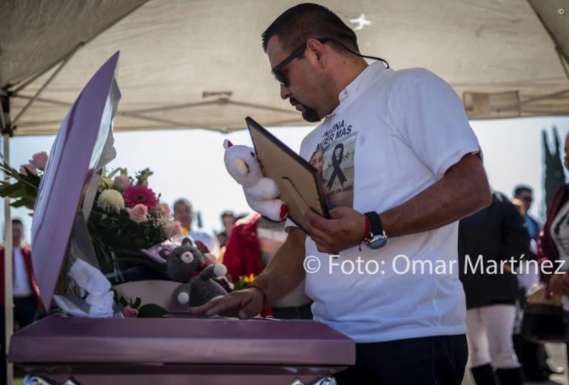 """Presunto Feminicida acudió al funeral de Marbella con una playera que decía """"NI UNA MÁS"""""""