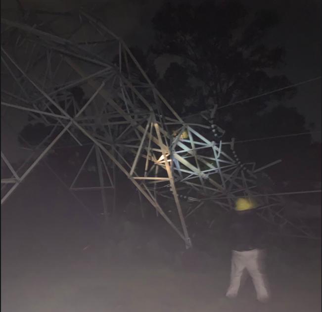 Afectaciones de energía eléctrica en Cuernavaca por colapso de torre de alta tensión
