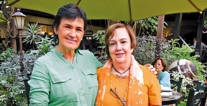 Cecilia González y Paty Lavín.