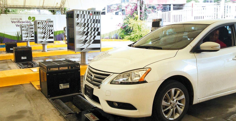 Reinicia en Morelos la verificación vehicular; toca al engomado amarillo