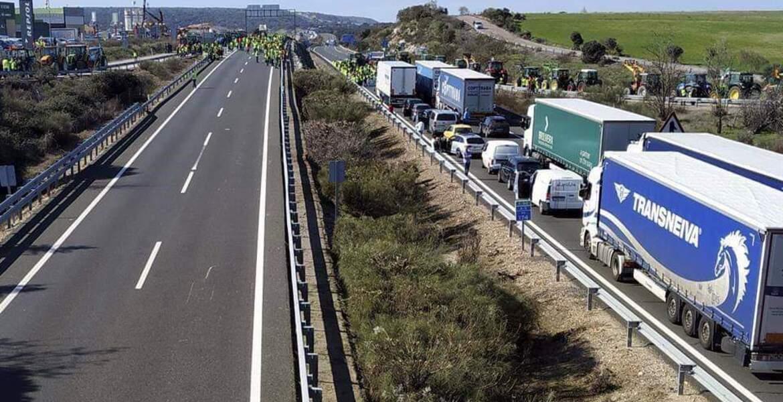 Cerradas todas la fronteras terrestres de España