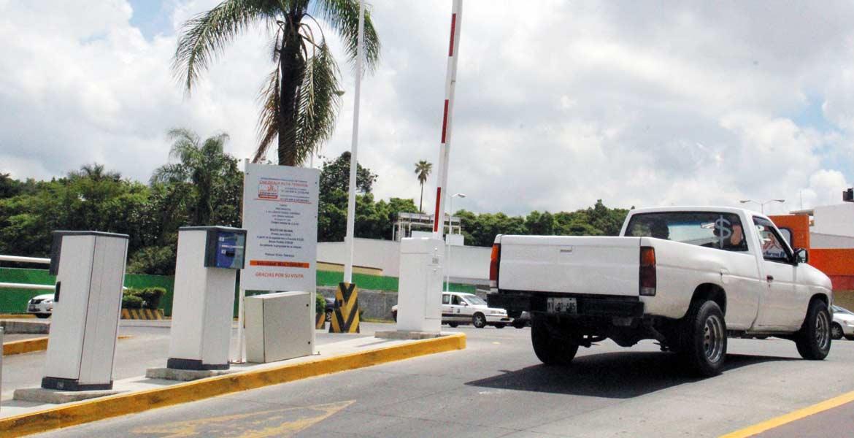 Resolución. Un juez federal dio marcha atrás a la normativa que obliga a las plazas comerciales a dar estacionamiento gratuito a sus clientes.