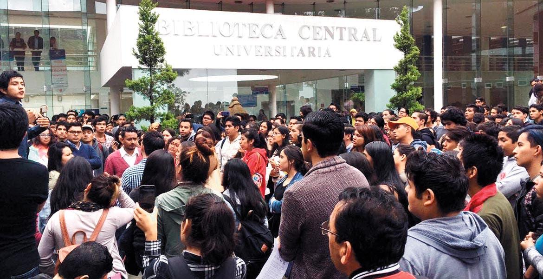 Jaloneos y pataleos en Consejo Universitario; piden convocatoria para suceder a Vera