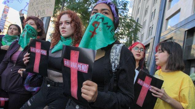 """Convocan a """"Un día sin mujeres"""" en México durante marzo"""