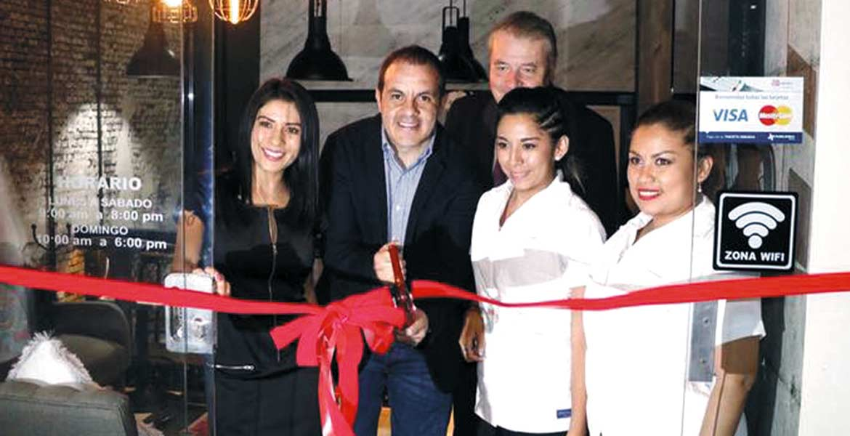 Bienvenida la inversión a Cuernavaca, inauguramos el centro comercial; éxito a empresarios que apuestan por el crecimiento económico.- Cuauhtémoc Blanco, alcalde