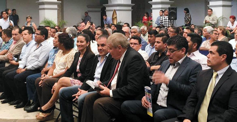 Con su gabinete. Solicita el edil de Cuernavaca la presencia de agentes federales para salvaguardar la ciudad.