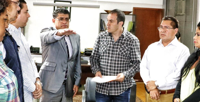Sustituyen. El alcalde de Cuernavaca, Cuauhtémoc Blanco, tomó protesta a su nuevo secretario general, Guillermo Arroyo.