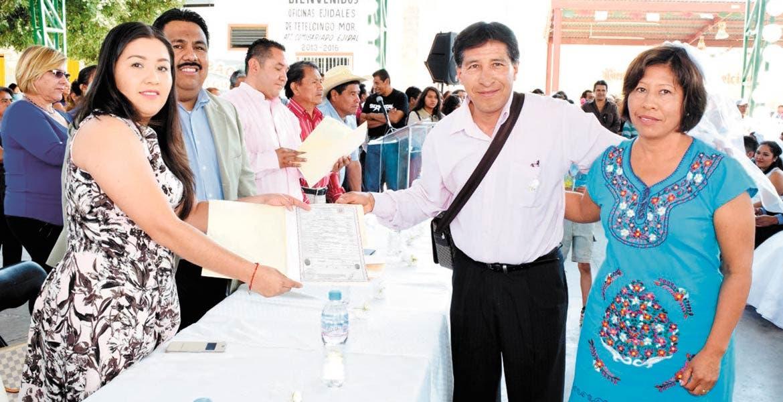 Programa. El alcalde Raúl Tadeo Nava lanzó a través del Registro Civil de Cuautla la campaña 'Matrimonios Gratuitos Colectivos 2017', la cual se llevará a cabo el 14 de febrero en la Delegación Tetelcingo.