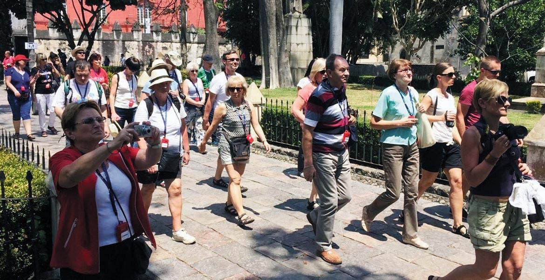 jReporte. Cuernavaca, Tepoztlán y Tequesquitengo fueron los principale s destinos esta Semana Santa, pero también acapararon los Altos de Morelos, señala la secretaria de Turismo.