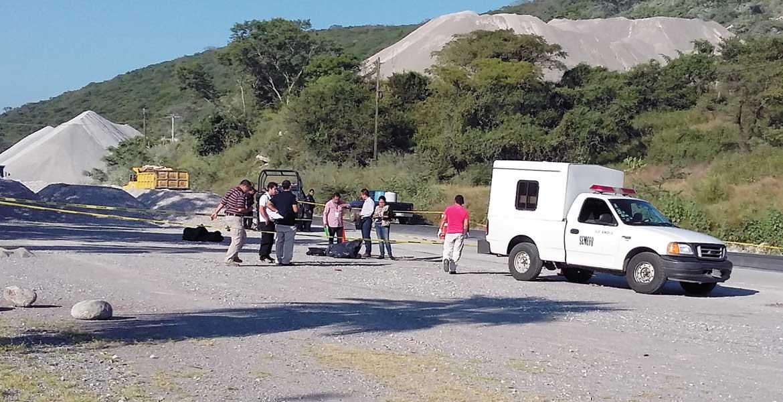 Diligencias. Dos hombres desmembrados y embolsados fueron hallados a orillas de la carretera Galeana-Tequesquitengo, en el paraje La Quebradora, de Jojutla.