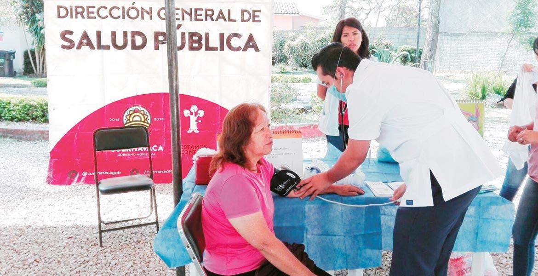 Apoyos. Durante la celebración del Día Mundial de la Salud el Ayuntamiento de Cuernavaca realizó una feria de servicios para incentivar a los ciudadanos a cuidarse.