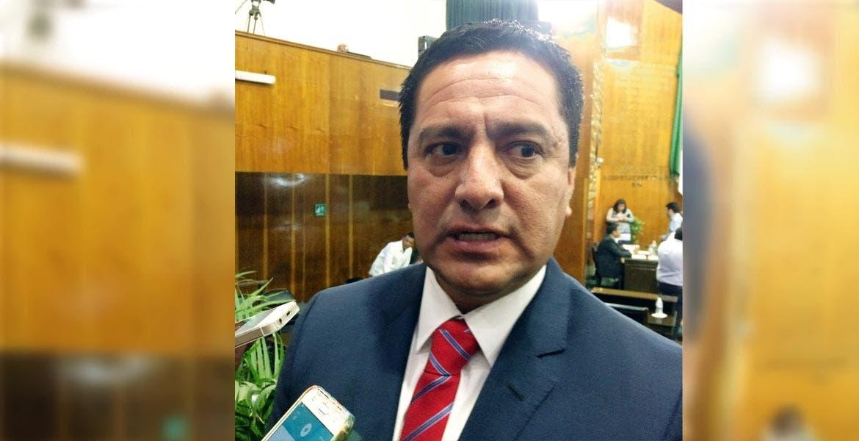 Alberto Martínez, diputado priista