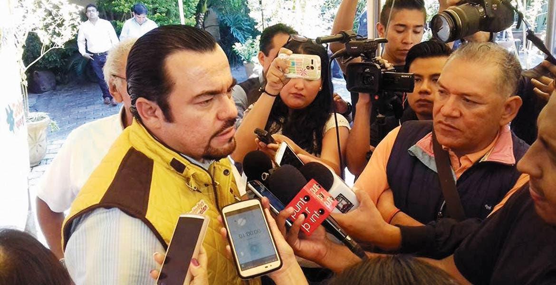 Invitación. El diputado perrdista Julio Espín aseguró que la intención es que el resto de los legisladores le entren al programa para que se logren ahorros.