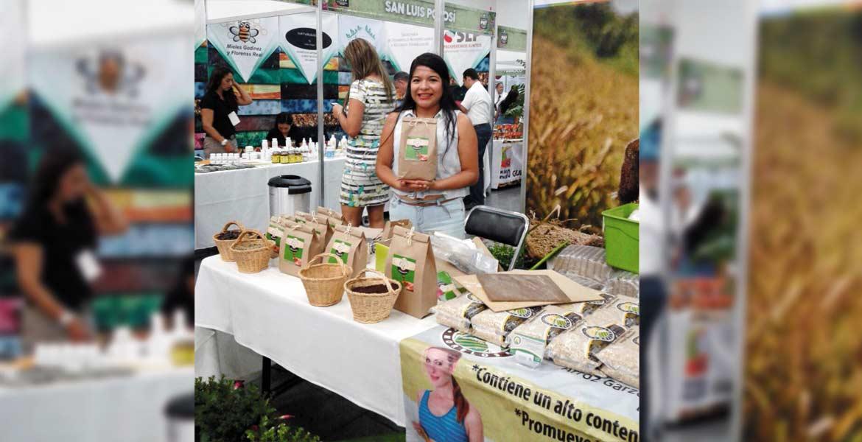 Exposición. Productores de 8 municipios presentes en la Feria chiapaneca.