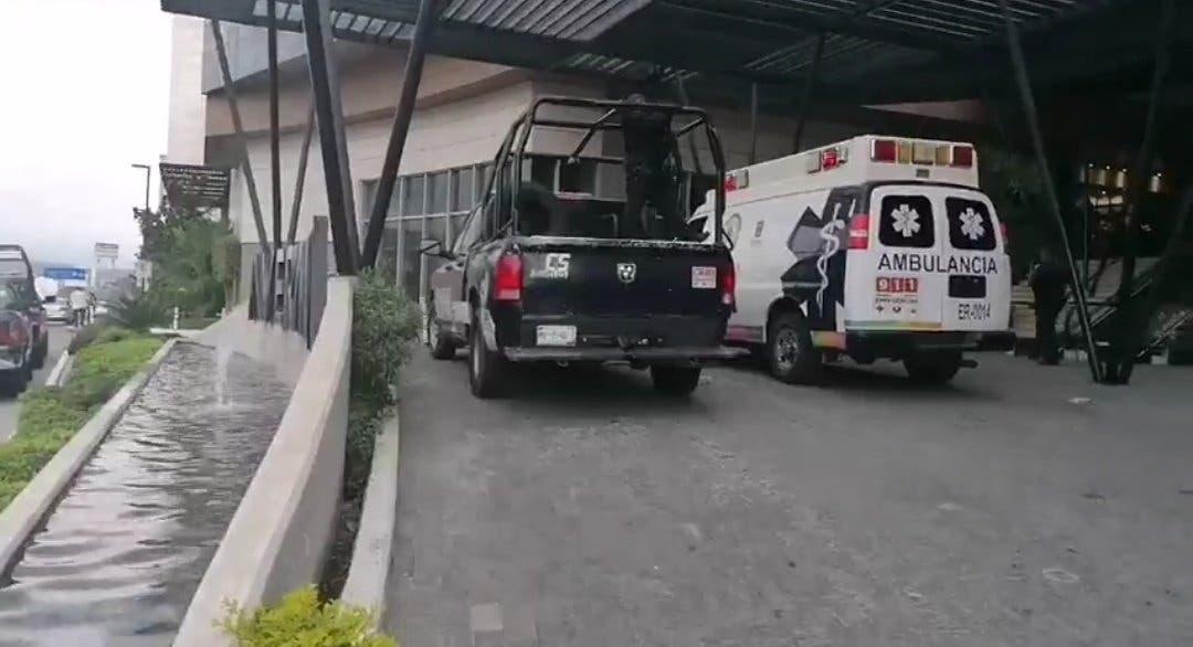 Balacera y asalto esta tarde en Plaza comercial, en Cuernavaca