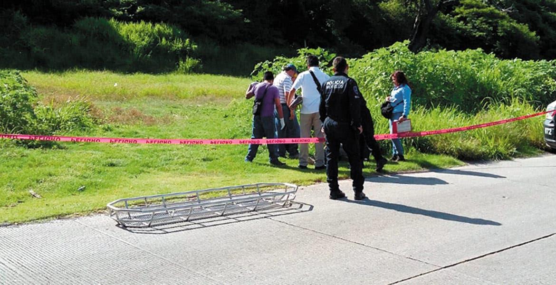 Diligencias. Un hombre fue asesinado de un balazo en la cabeza y abandonado en el paraje San Juanes, de Tlaltizapán.