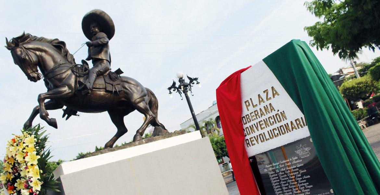 Ceremonia. Diputados develan placa del Centenario de la Soberana Convención Revolucionaria.