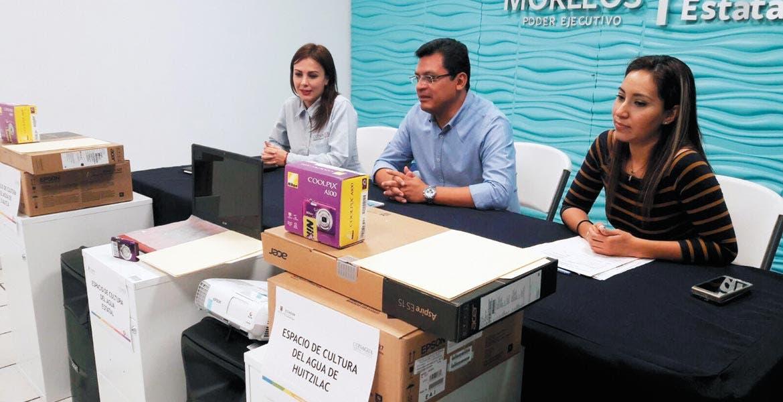 Localidades. Autoridades escolares de varios municipios recibieron el equipo de fortalecimiento