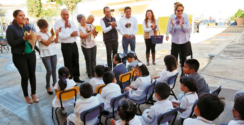 Estrategias. Programas como Diálogos Escolares permiten la integración entre padres, alumnos y maestros.